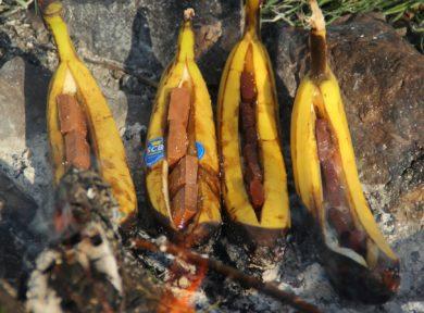 Camping dessert recipes - chocolate bananas