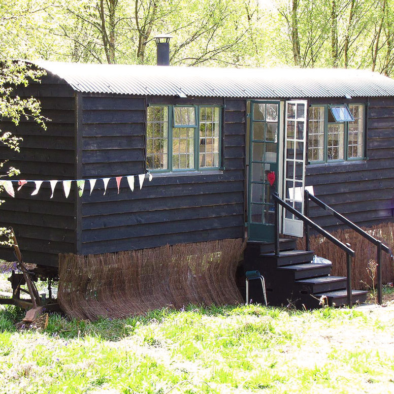 Campsite warden jobs - warden accommodation