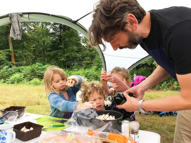 Campfire cooking - getting the kids involved