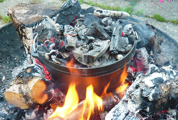 Campfire meals for a group with a dutch oven