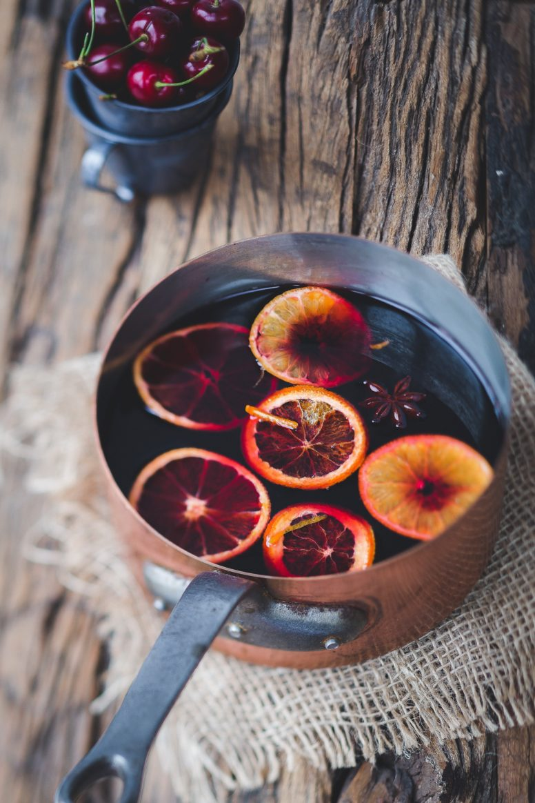 campfire hot drinks - mulled wine